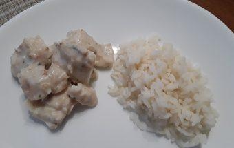 Žuvies receptas su baltu padažu.